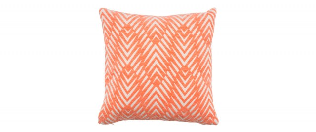 Cushion_Ekso_CoralOffwhite