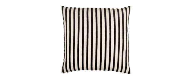 Cushion_Ormond-Black
