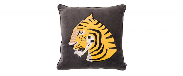 Cushion_Tigris_WashedBlack